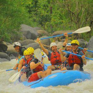 El mejor Rafting tambien conocido como descenso en rio o rapidos de Jalcomulco, Veracruz, Mexico.